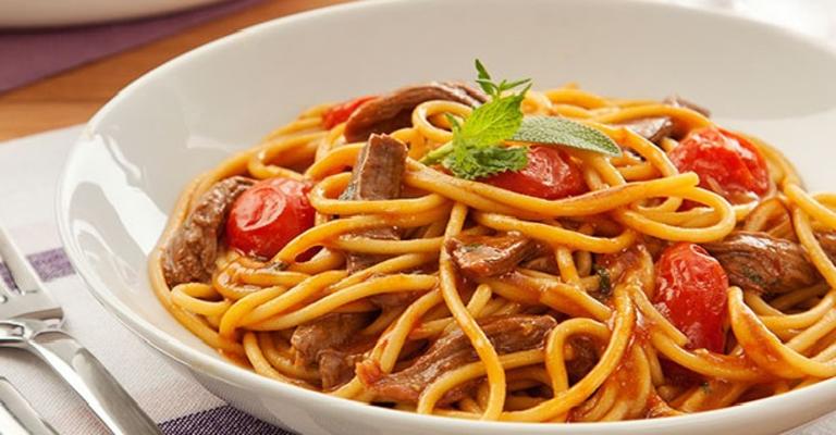 receita_spaghetti_com_cordeiro_e_ervas
